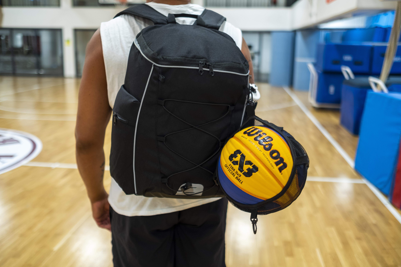 Ryggsäck med bollnät | KFUM Central Basket sedan 1952